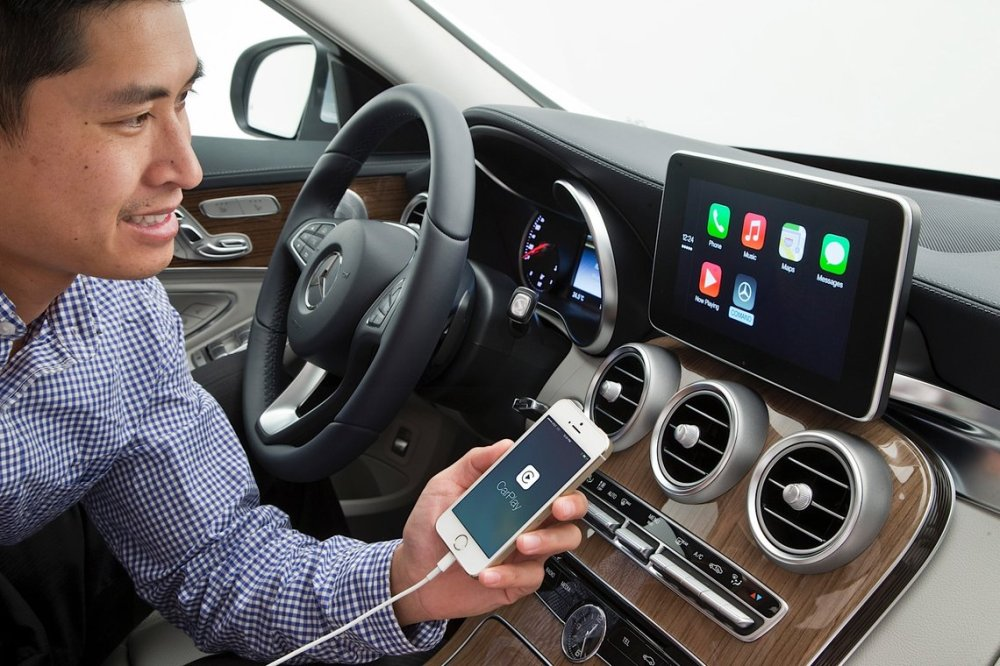 carplay-mercedes-c-class