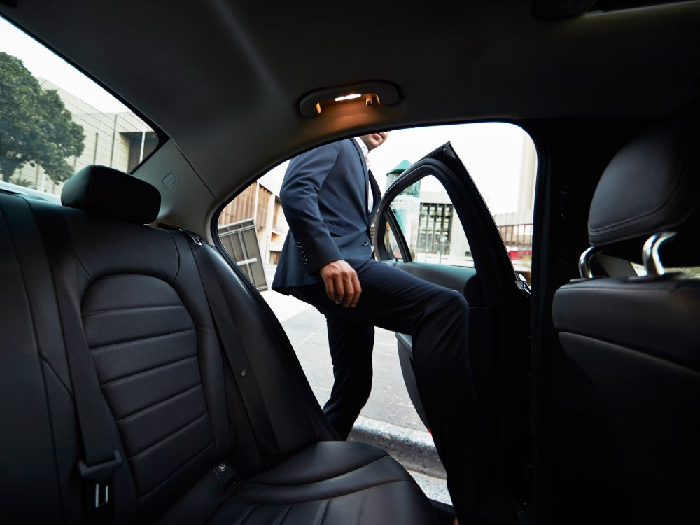SoftBank realiza oferta por acciones de Uber con un 30% de descuento III